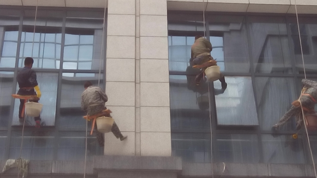 新郑市人民医院外墙清洗